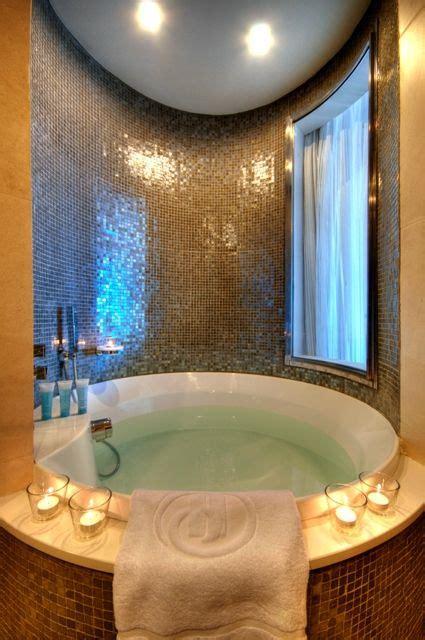 hotel room with bathtub 1000 ideas about jacuzzi bathtub on pinterest shower panels jacuzzi and bathtubs