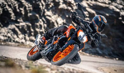 New Ktm Duke 390 Price In India 2017 Ktm Duke 390 Launched Price In India Starts At Inr 2