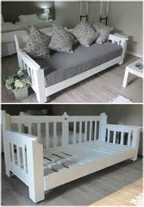 Day Beds Made Out Of Pallets Pallets Day Bed Pallet Ideas Wood Pallets Guest