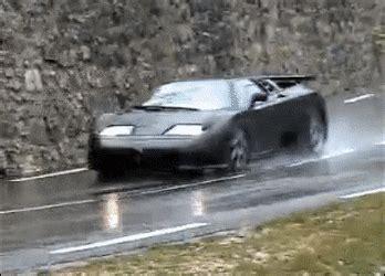 bugatti crash gif bugatti gifs search find make share gfycat gifs