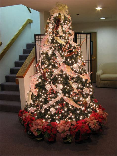 christmas decoration tips for black christmas tree