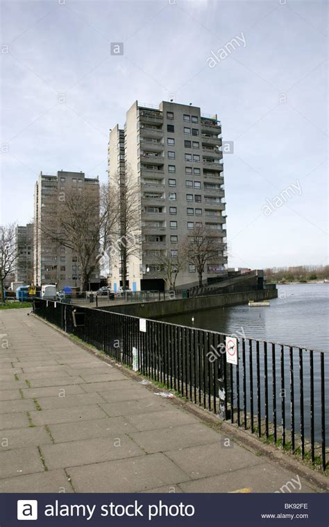 thamesmead london apartment blocks overlooking southmere lake thamesmead