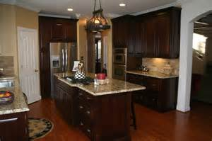 Lowes Kraftmaid Kitchen Cabinets by Kraftmaid Montclair Cherry Deason Traditional