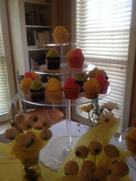 Dr Seuss Baby Shower Cupcakes by 25 Best Dr Seuss Theme Baby Shower Images On