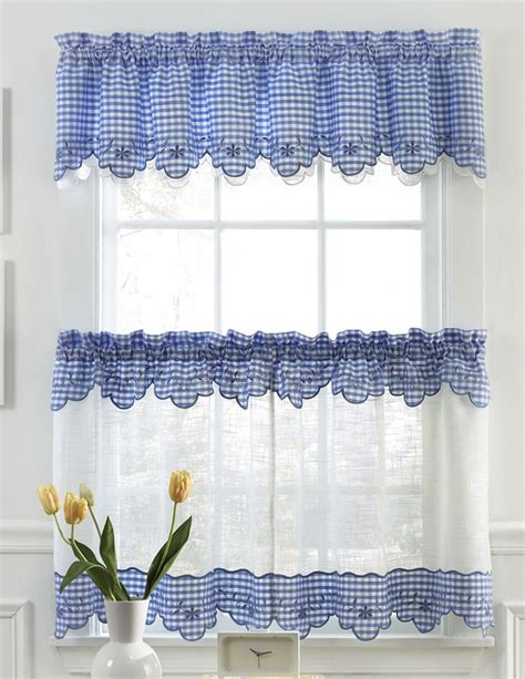 Curtain Valances For Kitchens 25 Best Ideas About Kitchen Curtains On Kitchen Window Treatments Kitchen Valances