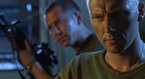 dog soldiers 2002 werewolves rock everything s better with bob 100 days 100 films day 81