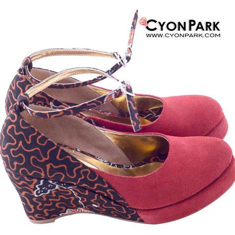 Sepatu Wanita Flatshoes Suede Pc Cantik sepatu batik nan cantik butik shop tas pesta belt wanita cyonpark