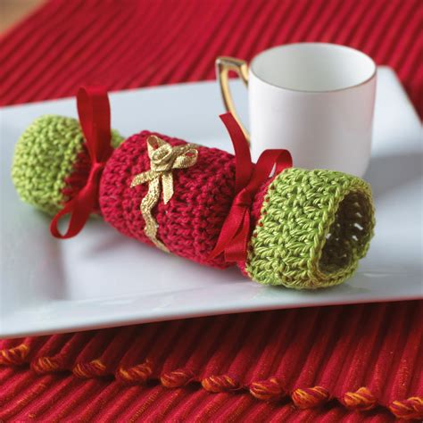 knitting pattern christmas cracker christmas crochet cracker from little christmas