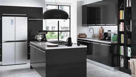 cuisine noir brillant gallery of cuisine noir blanc with carrelage cuisine noir
