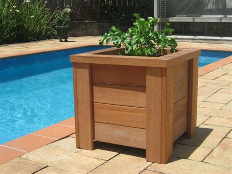 How To Build Large Planter Boxes by How To Build A Wooden Planter Box Portable Gardening