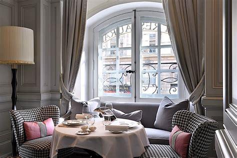 paris themed living room decor ideas roy home design romancing the home a guide to romantic interiors