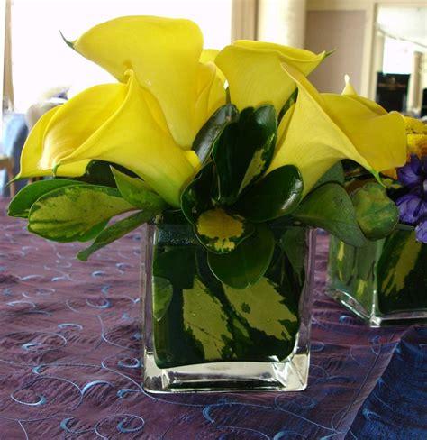 Calla Square by Yellow Calla In Square Glass Vase Advantage