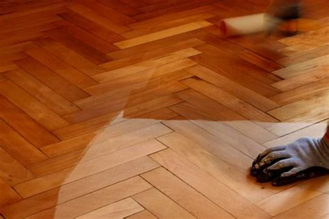 Hardwood Vs Laminate Flooring Laminate Vs Hardwood Flooring Difference And Comparison Diffen