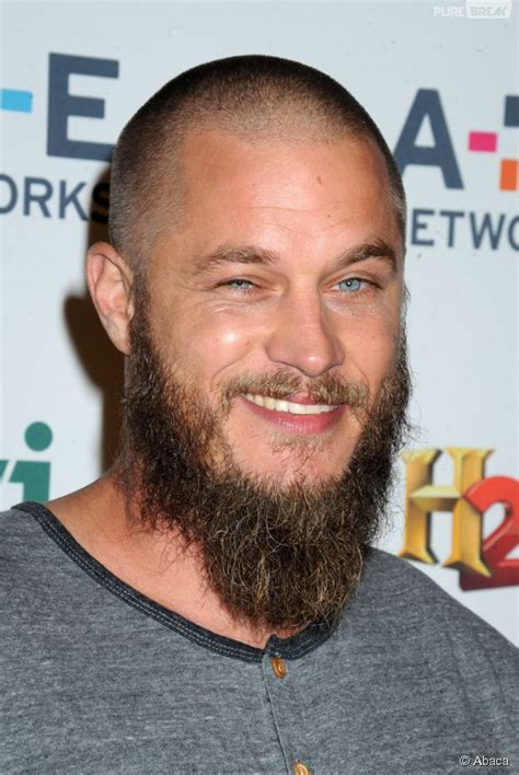 ragnar lodbrok barbe coupe de cheveux viking