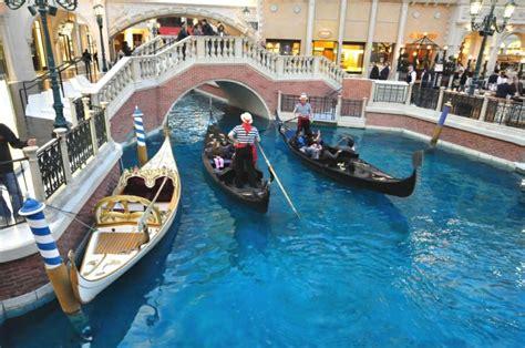 casino boat ride vegas bob offering free gondola boat rides at quot the