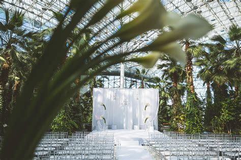 Navy Pier Gardens by Chicago Wedding Photography Marisa Chris At Navy Pier