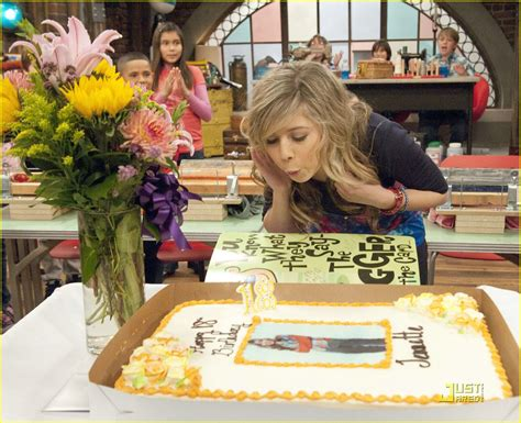 icarly celebrates her birthday with an icarly bedroom happy birthday jennette mccurdy photo 375692 photo