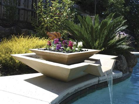 diy outdoor fountain ideas   garden