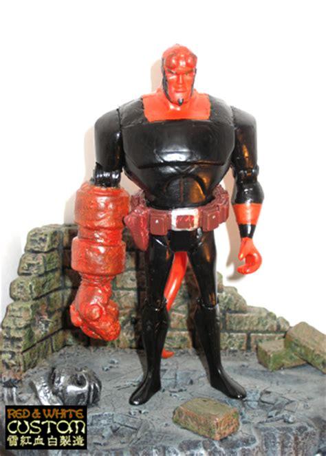 Kaos Hellboy White 1 form a jlu lizard