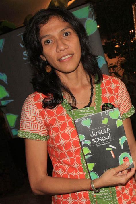 Sokola Rimba Butet Manurung Berkualitas the jungle school indonesia expat