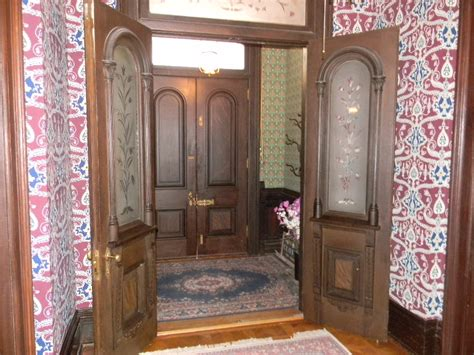 entry vestibule 17 house trends we want brought back remodeling expense