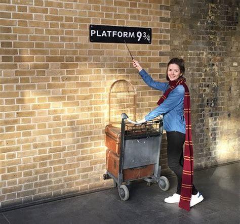 Kaos Harry Potter Harry Potter Platform 9 And 3 4 Graphics Lengan Panj photo0 jpg picture of harry potter shop at platform 9 3 4 tripadvisor