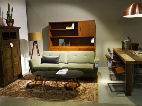 lifestyle meubelen nijmegen vintage woonkamer met comfortabele groene bank zen