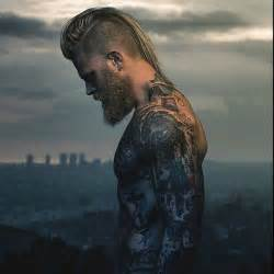viking mens hairstyles 25 best ideas about viking men on pinterest