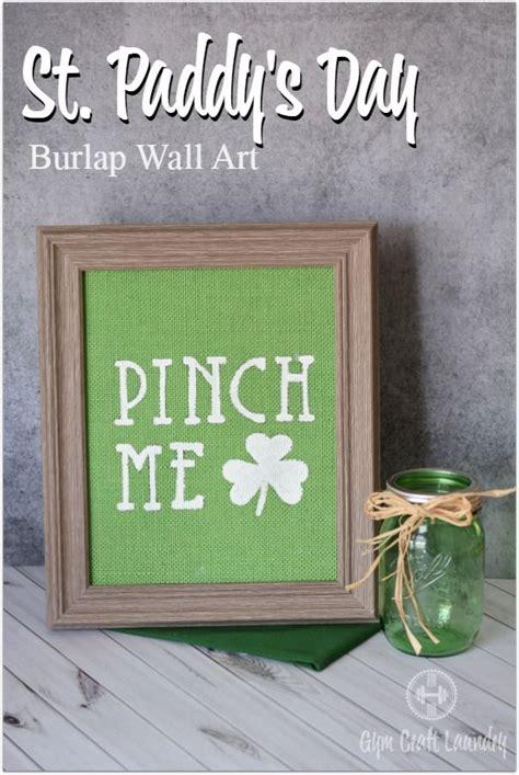 diy burlap wall art easy st patricks day decor   gym craft laundry burlap wall st