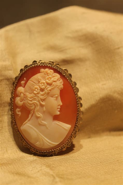 ist dibs shell cameos large italian 1950s shell cameo brooch pin pendant for sale at 1stdibs