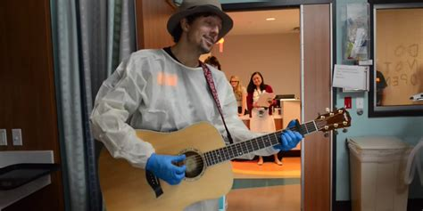 jason mantzoukas children s hospital best selling artist holds private performance at alabama