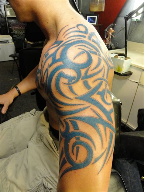 shoulder tribal tattoo designs tribal shoulder tattoos designs ideas and meaning