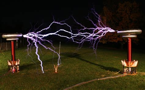 About Tesla Coil Wireless Electricity How The Tesla Coil Works