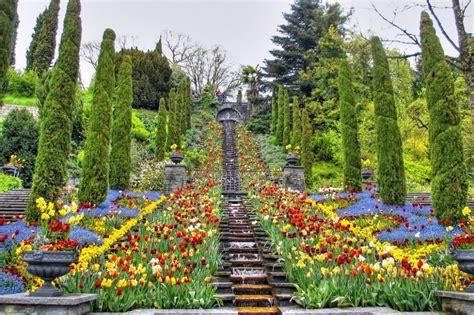 giardini fioriti immagini 25 posti nel mondo che diventano incredibili giardini