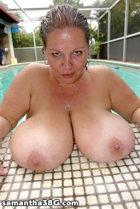 sexy bbws get wet in a pool   pichunter