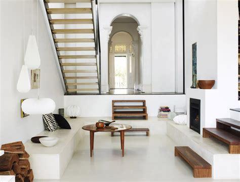 Living Room With Stairs Design Zo Combineer Je Verschillende Soorten Hout In Je Interieur Roomed