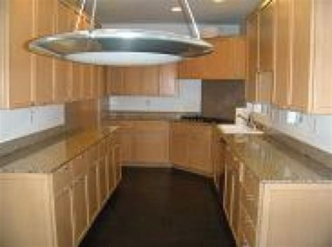 Countertops With Maple Cabinets by Maple Kitchen Cabinet With Granite Countertops In Manhattan Ca Diggerslist