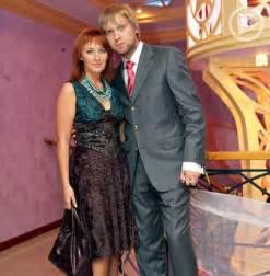 светлаков сергей юрьевич с женой фото