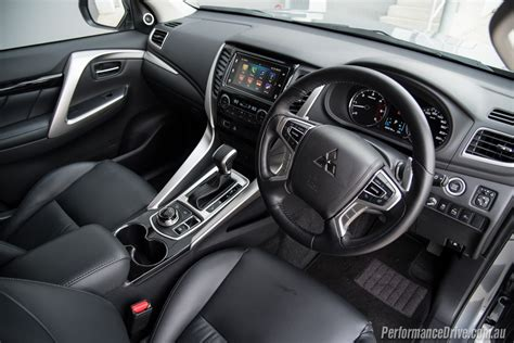 2016 Mitsubishi Pajero Sport Exceed Interior