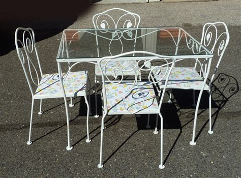 Wrought Iron Patio Table And 4 Chairs Vintage White Wrought Iron Glass Top Table 4 Chairs Outdoor Or Indoor Furniture Ebay