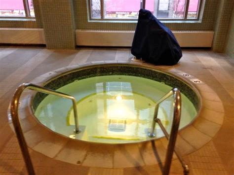 hotels in chicago with tubs in the room tub picture of embassy suites by chicago downtown chicago tripadvisor