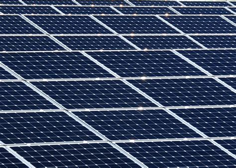File Us Navy 111022 N Oh262 322 A View Of Solar Panels   file us navy 111022 n oh262 322 a view of solar panels