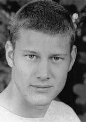 tom hopper casualty male actors from leicestershire
