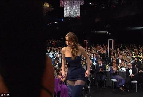 Best Wardrobe Fails by Dress Rips At Sag Awards 2013 As She