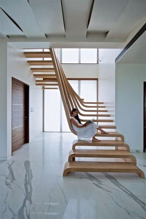 trendy home with super unique staircase super moderne elegante treppen aus holz f u t u r e h