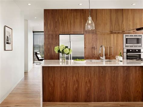 walnut cabinets 25 best ideas about walnut kitchen cabinets on pinterest