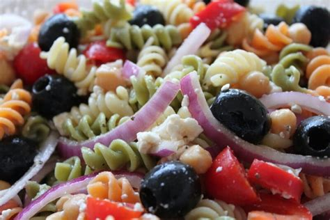 greek pasta salad recipe pin by celeste debarge romero on soup salad sandwiches