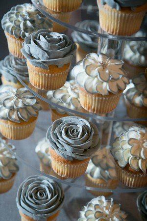 creative wedding cupcake ideas   big day   day