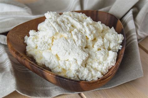 cooking cottage cheese farmer s cheese tvorog or quark 5 mfc home