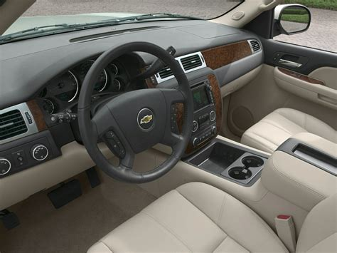 Chevrolet Tahoe Interior by 2014 Chevrolet Tahoe Price Photos Reviews Features
